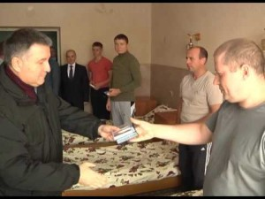 Арсен Аваков посетил в больнице милиционеров, получивших ранения 31 августа